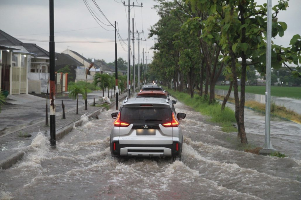 Xpander Hujan 2